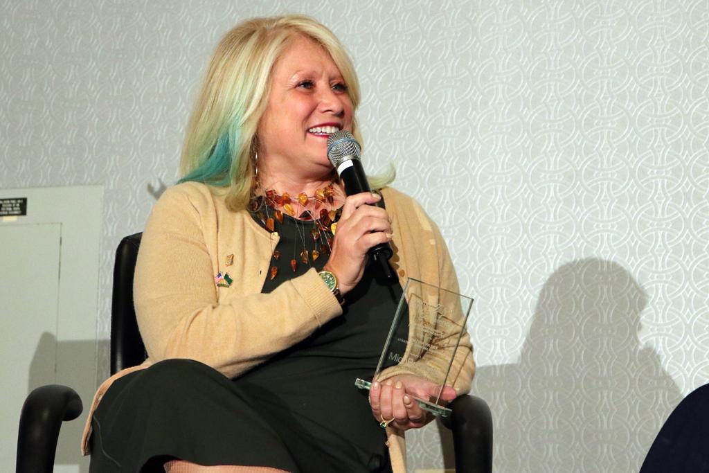 Cindy Pasky, Cynthia Pasky